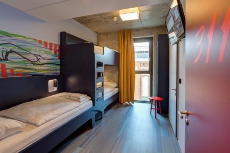 Klassenfahrt Berlin 2020 2021 Meininger Hotel Berlin East Side Gallery Berlin Superklassenfahrten De